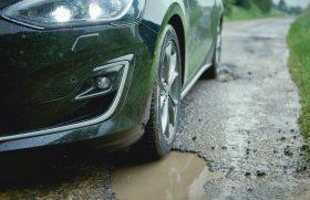 Inovativen sistem za zaznavanje udarnih jam v novem Ford Focusu