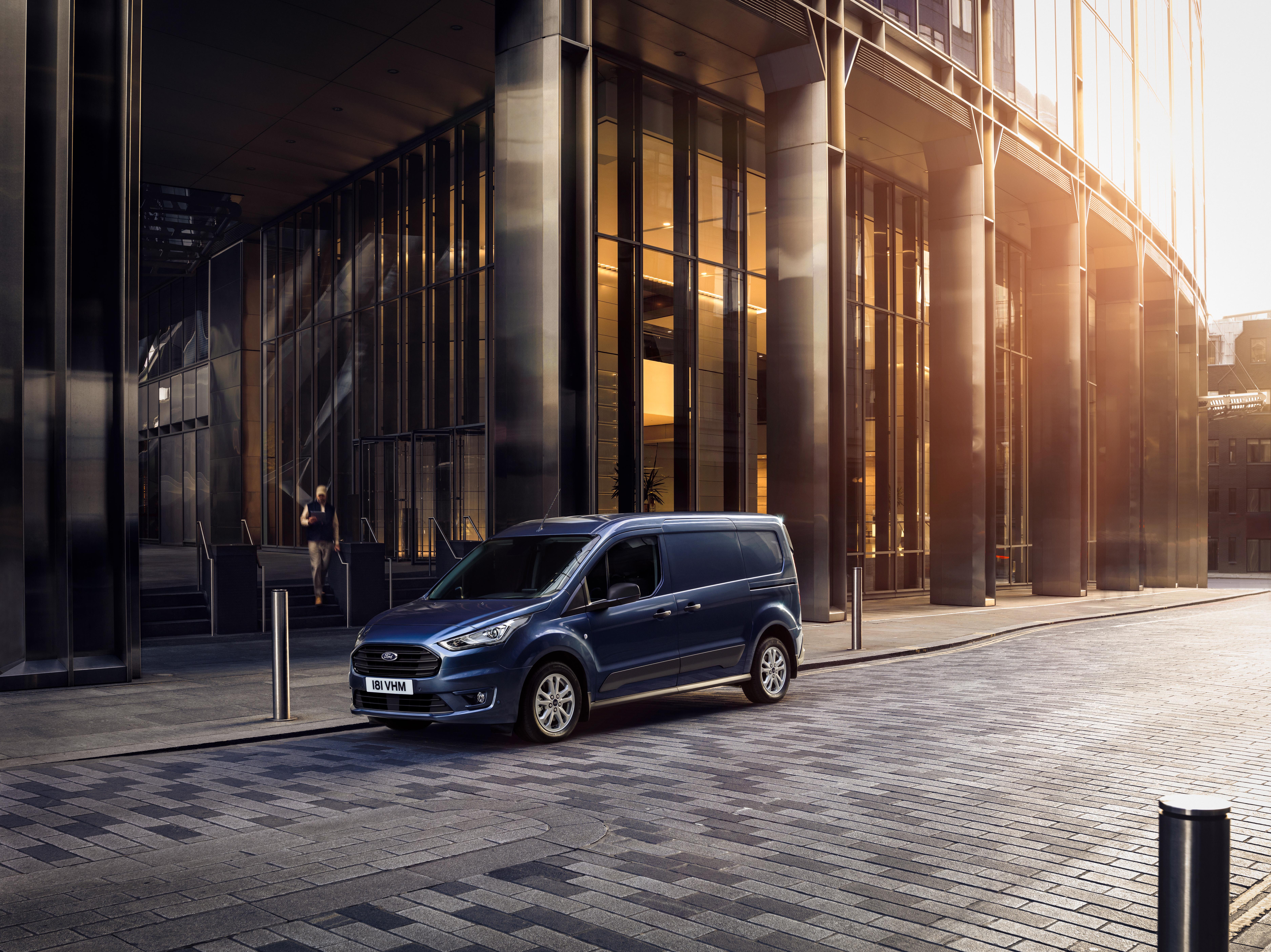 Domača predstavitev: Ford predstavlja nove modele Fordovih lahkih gospodarskih vozil