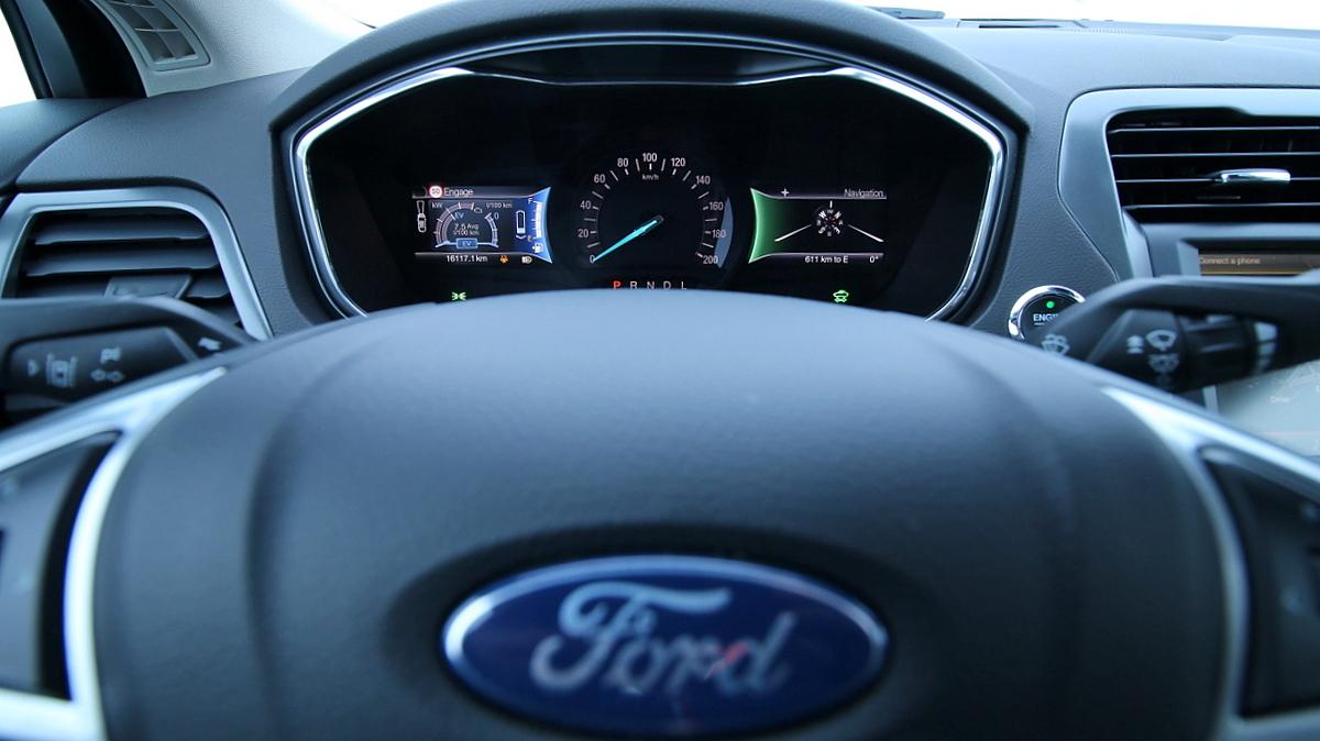 Ponudba, ki jo je težko zavrniti, hibridni Ford Mondeo