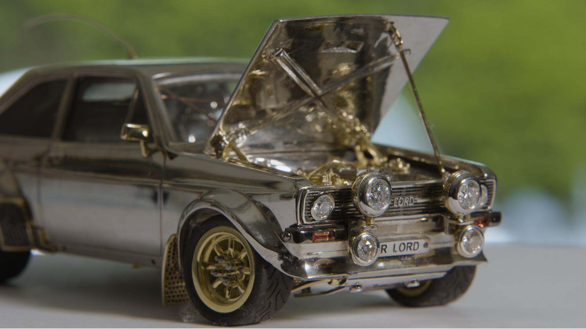 Ford Escort iz zlata, diamantov in srebra