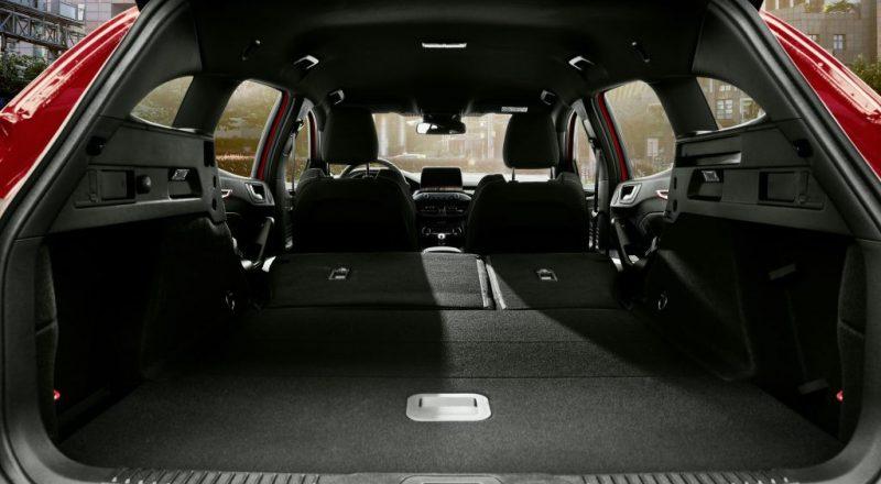 Povsem novi Ford Focus ST se predstavlja v karavanski različici