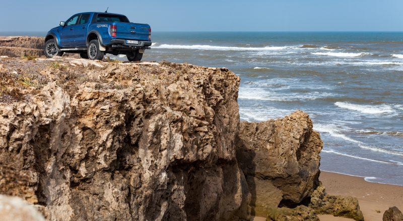 Ford Ranger Raptor: Dol s ceste!