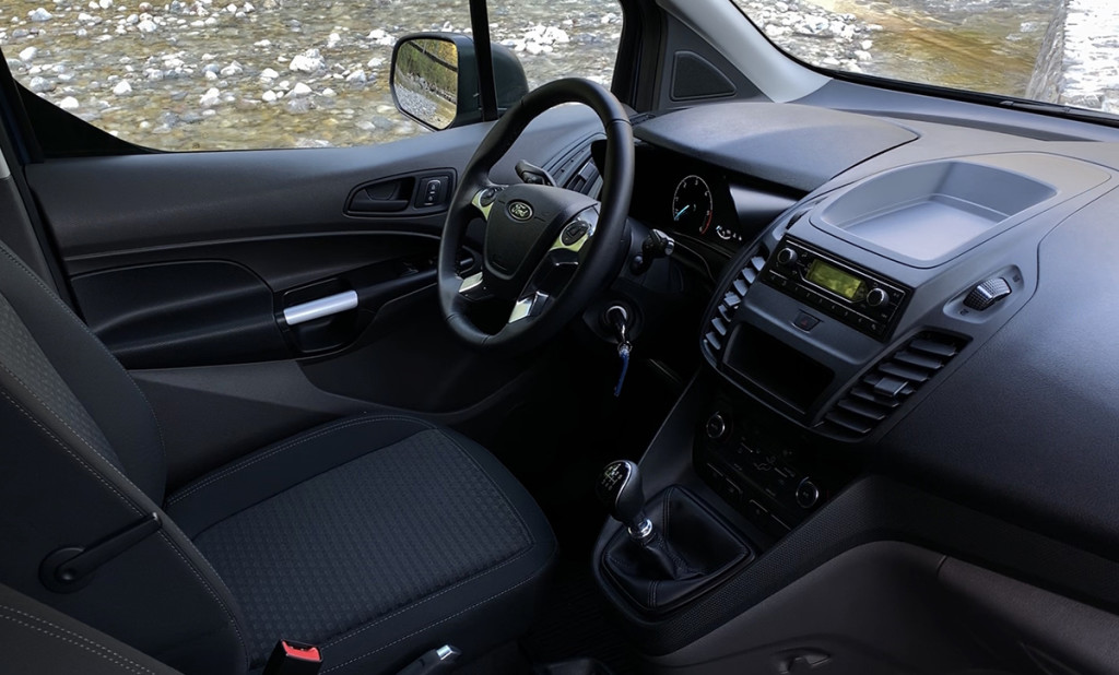 Cestni dirkač – Ford Transit Connect Furgon