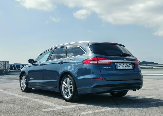 Ford napoveduje Mondea: hibrid in karavan v enem