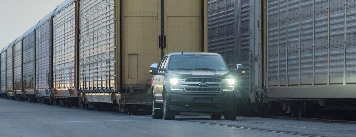 Električni Fordov pickup je vlekel kar 450 ton