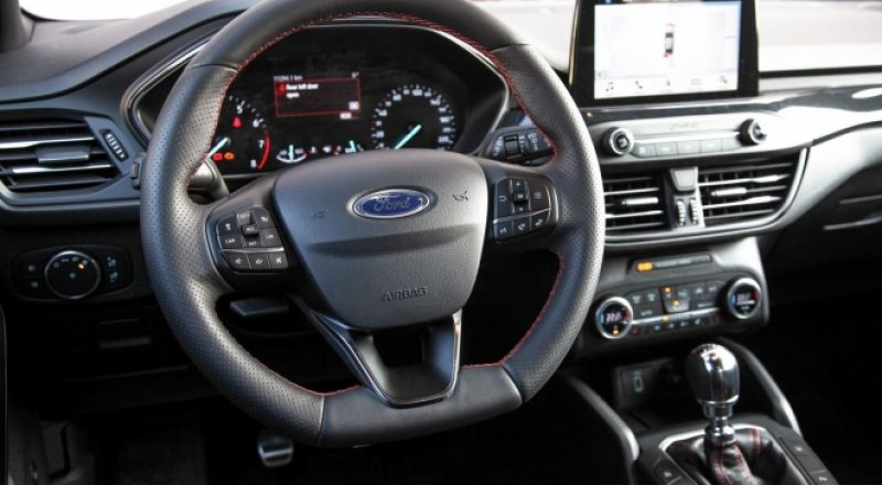 Ford, ki obrača poglede