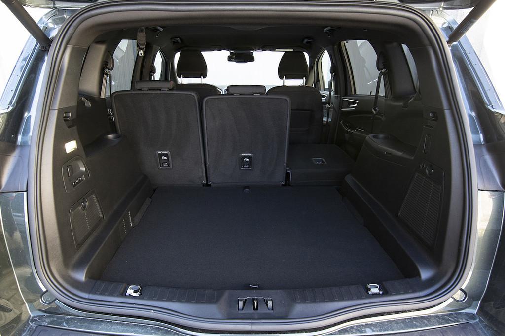 Test Ford S-Max ST-line – Doktor prostornosti in udobja