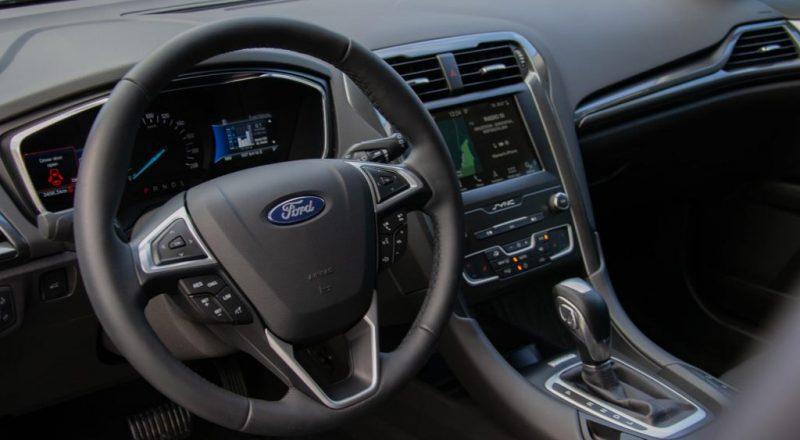 Ford Mondeo hibrid notranjost