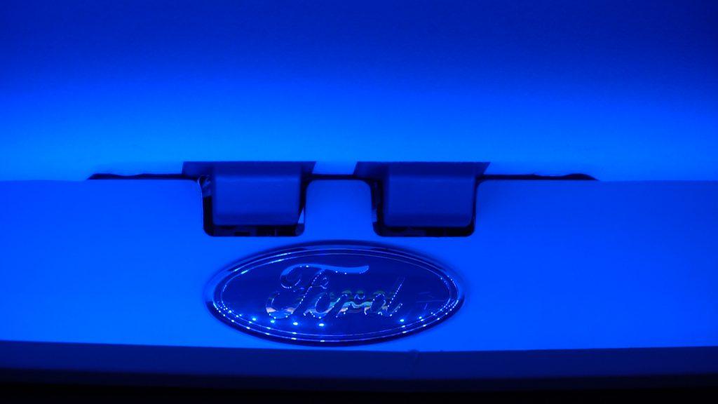 Transit Concept EMax - Oval inside blue