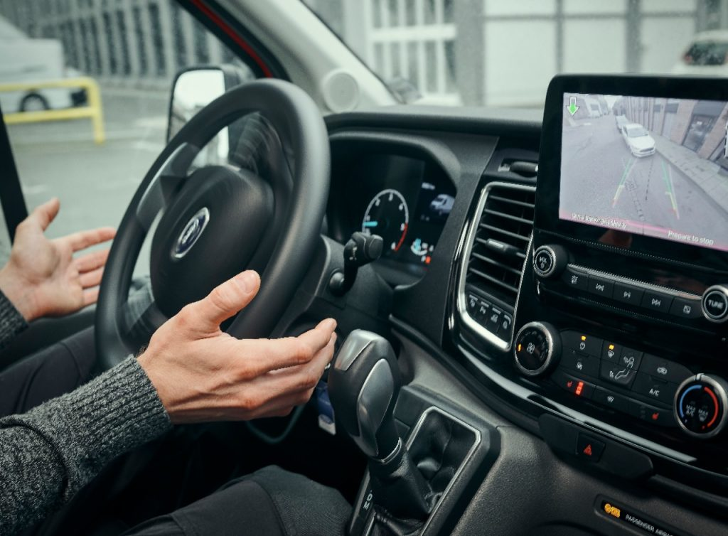 Nova tehnologija za parkiranje v Fordu Transitu