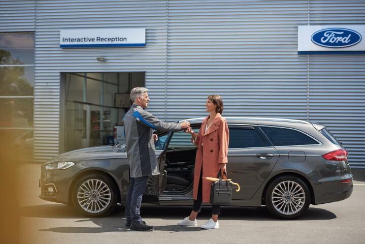 Fordovi servisi odprti za nujne primere